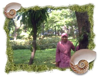 Pose di Taman Flora