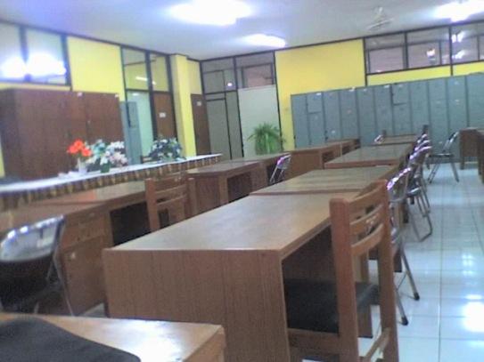 Ruang Kantor 2